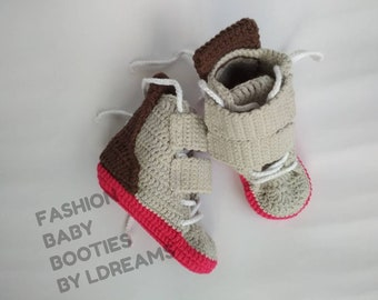 FASHION baby booties , Size US-3/ 3-6 months, pink and gray, crochet sneakers.