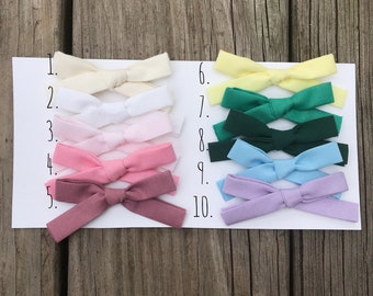CLASSIC Solid Hand-tied Bow