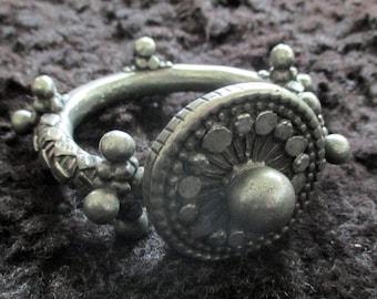 Ancient upper arm bracelet from Yemen