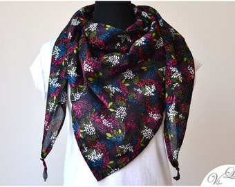 XXL TRIANGLE SCARF with all over leaves print black white pink red petrol green have extra large shawl spring summer fall trend high-street