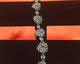 Blue and gray flower bracelet