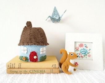 Crochet Pattern Amigurumi, Crochet House, Crochet Ornament, House Warming Gift, Crochet Gift Ideas To Make, Crochet Doll House, Crochet Home