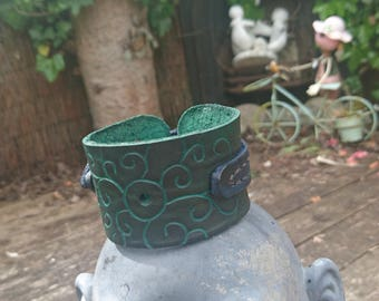 Engraved Green and blue leather wrist cuff size medium