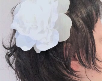 Big white flower hair clip