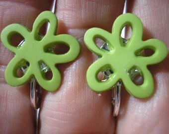 """Play Earring - Clip - Open Petal Flower - Green - 5/8"""""""