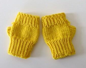 Daisy yellow MillaMia fine merino fingerless mittens for toddler