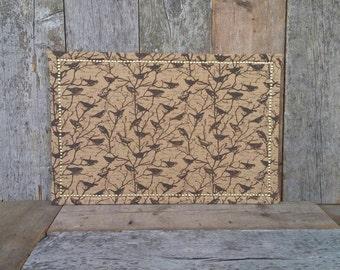 Toile de jute oiseau couvert grand Liège - frontière d'or - oiseau Pin Conseil - 36 x 24 in. Tableau décoratif