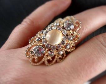 Ring, finger ring, vintage style, opulent, rhinestone, noble, glitter