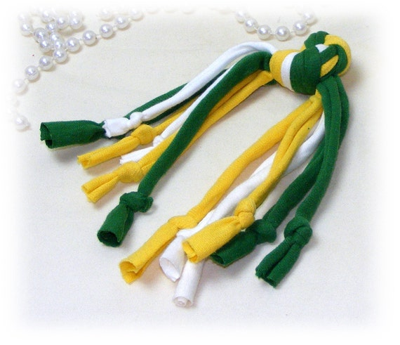 Whisker Knots . . . CT111 green & yellow . .  Dog or Cat
