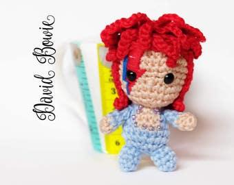 David Bowie amigurumi keychain doll crochet Ziggy Stardust