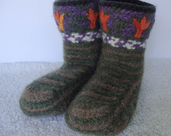 Crochet Booties, Unisex Booties, Felted Wool Booties, Slipper Socks, Non Slip Socks, Blooms of Fire Booties, Available in M and L