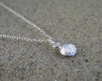 "Sterling silver clam shell necklace ""Seashell"""