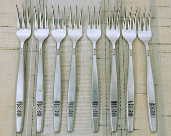 8 Vintage Madeira T.M. Mid-Century Stainless Seafood Forks Unknown Manufacturer Japan