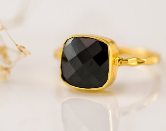 Black Onyx Ring Gold, Black Stone Ring, Cushion Cut Ring, Solitaire Ring, Stackable Ring, Statement Ring, Bezel Ring, Gift for Mom