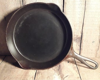 Victor by Griswold No 7 Cast Iron Skillet