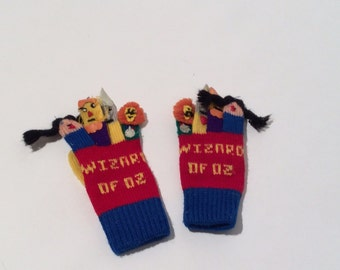 Vintage 1980s Rare Hand Knit Finger Puppet Wizard of Oz Child Mittens