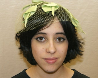 Vintage 1960's Light Green Veil Netting w/ Grosgrain Ribbon Bow
