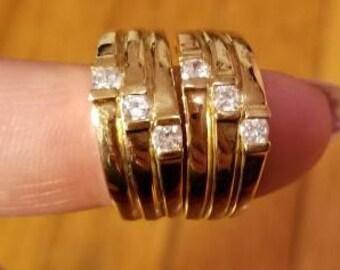 GOLD RIDGED EARRINGS // 80's Vintage Gold Tone Earrings Crystal Clear Rhinestones Ribbed Costume Jewelry Statement Huggie 90's Pierced