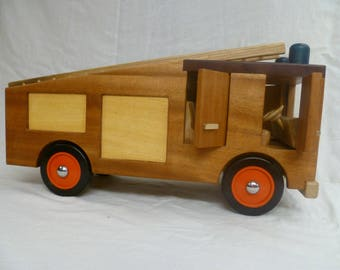 Traditional Dennis British Fire Engine truck Vehicle Wooden Toy Montessori Theory
