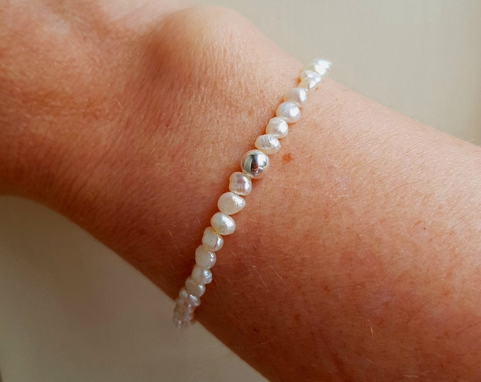 Tiny Freshwater Pearl stretch Bracelet Sterling Silver bead - June Birthstone gift