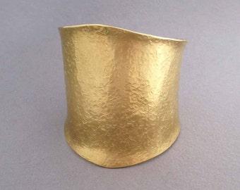 Wide Gold Cuff Bracelet in Hammered Brass Ancient Egyptian Jewelry Modern Greek Jewelry Cleopatra Bracelet Goddess Jewelry Statement Jewelry