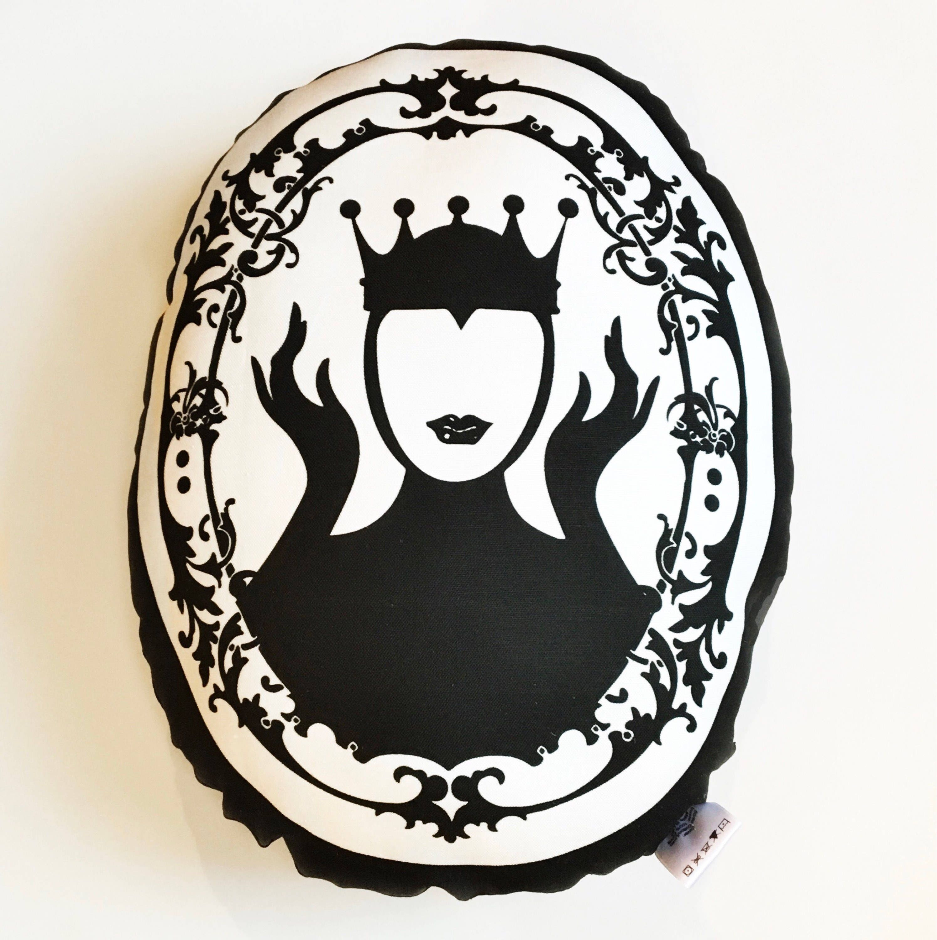 Evil queen snow white mirror mirror on the wall pillow teraionfo