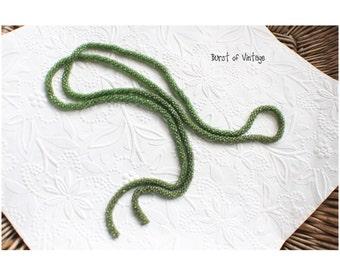1920 Vintage green jade flapper beaded long rope necklace roaring 20 halloween glass bead rockabilly pin up wedding prom bridesmaid art deco