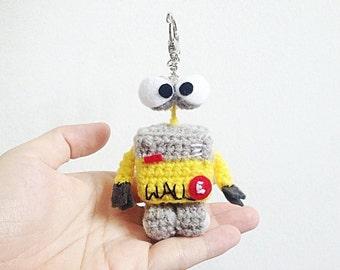 Mini Wall-E Key ring Crochet, Wall-E Amigurumi, Crochet Wall-E, Handmade crochet Keychain, Wall-E Key ring