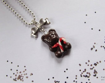 """""""Santa bear"""" necklace with polymer clay."""