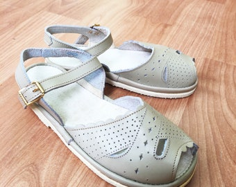50's Vintage Grey Leather Open Toe Sandals New Old Stock Made in France EU 26, 28, 29