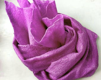 Felted scarf. Nunofelting. Silk and merino wool. 150x30