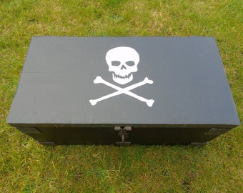 Pirate wooden box / trunk / treasure chest, hand painted