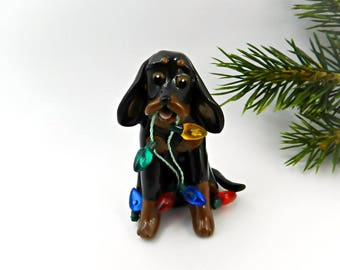 Feux de Black and Tan Coonhound porcelaine Noël ornement Figurine en argile