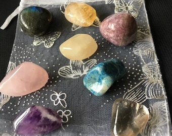 Teenage crystal healing set of 8 crystals to aid those adolescent years.