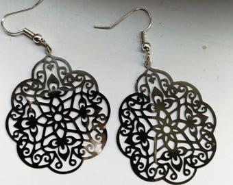 Beautiful earrings silver oriental style
