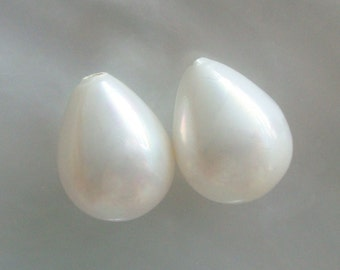 1 pair, 10x13mm, Lovely White South Sea Shell Pearl Teardrop Briolette, So Beautiful, Top Quality, Half Drilledop Briolette, SP-0010-w