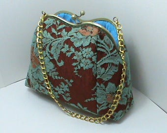 Bag for an elegant turquoise lace