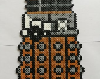 DALEK Doctor Who gold beaded pixel - Pixel Art - Geek Art
