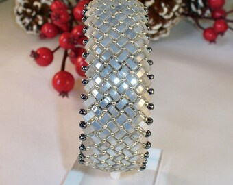 Silvery grey Beadwoven Bracelet