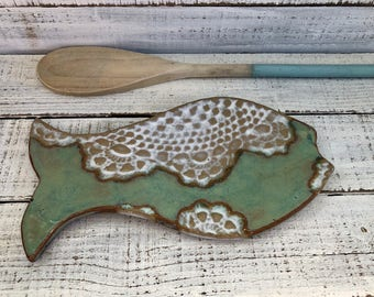 Fish Spoon Rest-  Ceramic Dish - Spoon Rest - Soap dish - white - green- One of a kind- Lace pottery- Kitchen decor- Stovetop- Fish- lace