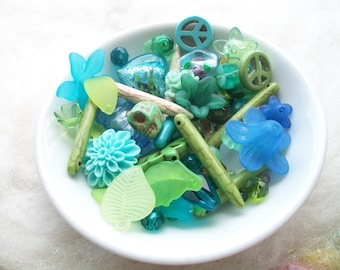 Loose Beads Grab Bag Blue Green  Lucite Lamp Work Glass Beads Assorted Sizes Facetted Beading Supply Necklace Bracelet Earrings Boho Hippie