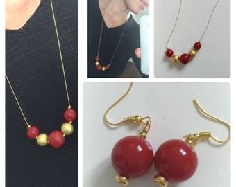 Gold and red pearls necklace and earrings