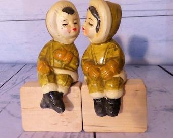 Kissing Eskimo Salt and Pepper,