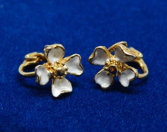 Vintage White Enamel Dogwood Flower Clip Earrings, White and Gold Flower Clip-Ons, Small White Flower Earrings, Estate Jewelry