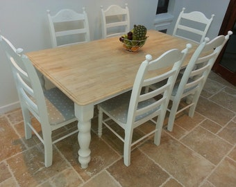 Gorgeous Table and Chair Set