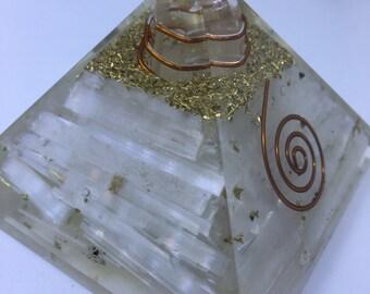 Large SELENITE Pyramid Orgone Gemstone EMF Protection like 70-75 mm diameter ss