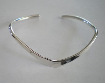 Handmade Sterling Silver Classic Curve Bracelet