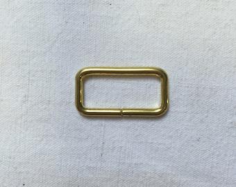 2 loops. 25mm. Metal gold