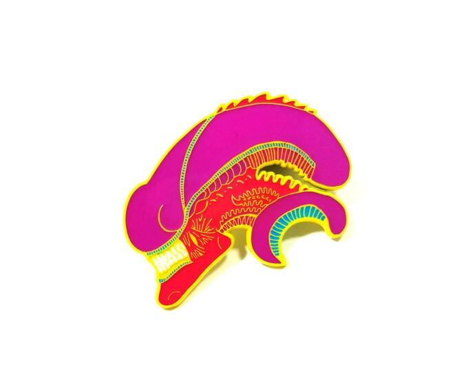 XENOMORPH Head pin (NEON variant)