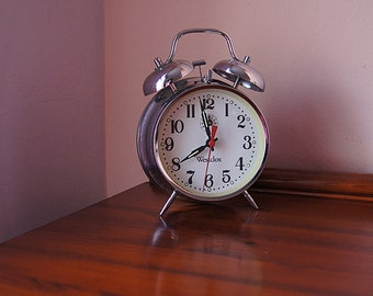 Large vintage metal mechanical alarm clock Westclox, vintage alarm clock, table clock.